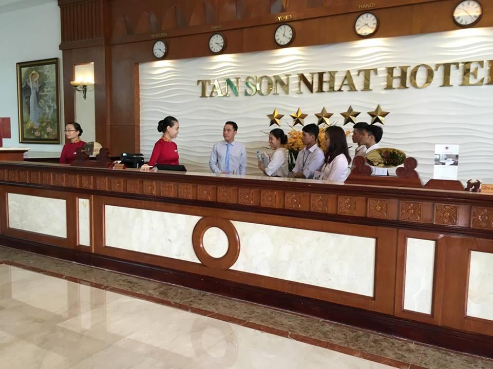 Thực tập lớp quản trị khách sạn tại khách snaj 5*