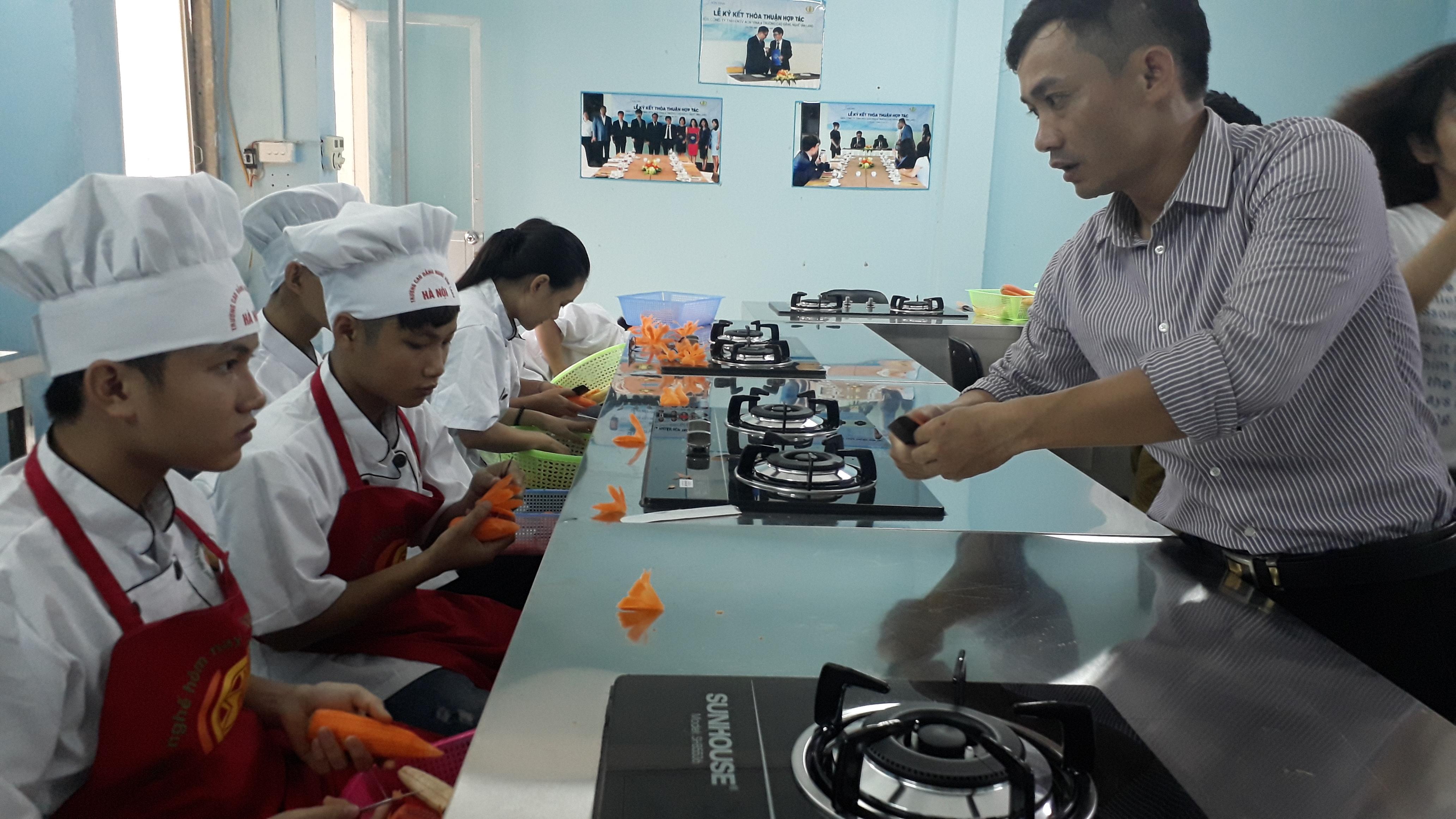 Địa chỉ học làm các món ăn hàn quốc tại Hà Nội chất lượng