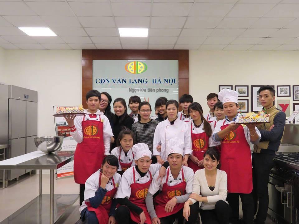 Lớp thực hành làm bánh tổng hợp ở Hà Nội uy tín