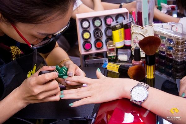 Địa chỉ dạy làm móng ở Hà Nội chuyên nghiệp