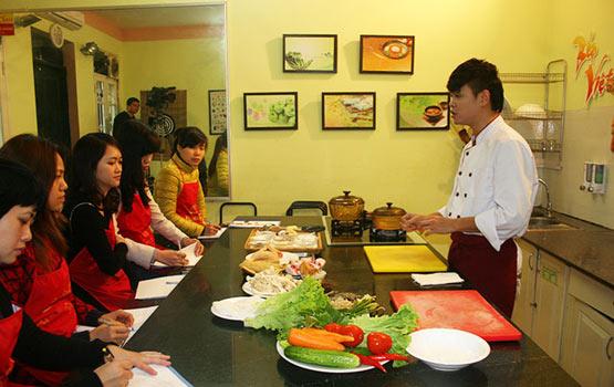 Thực hành nấu các món gia đình tại Hà Nội